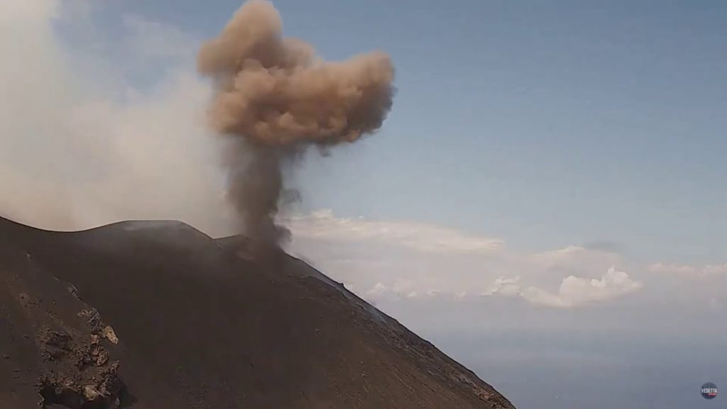 Zwei Explosionen am Vulkan Stromboli erschüttern die Insel