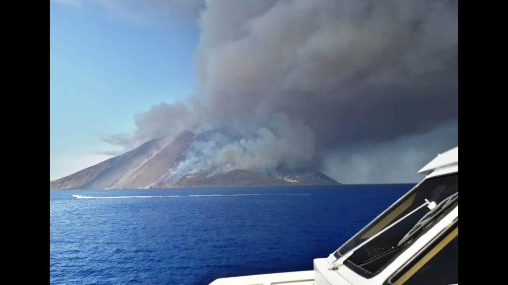 Starke Vulkanexplosion am Stromboli : 1 Toter und 1 Verletzter