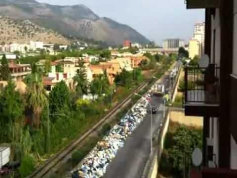 Nach Neapel erstickt nun auch Palermo vor Ostern unter dem Müll